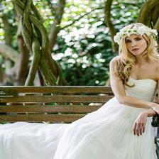春季参加草坪婚礼穿什么