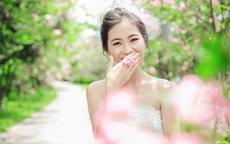 笑起来不好看怎么拍婚纱照?