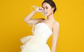 热销抹胸蓬蓬裙——Hello魔镜高级婚纱礼服设计