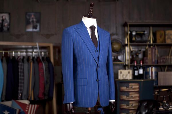 2015年新款上市靓丽蓝色西服 量身定制