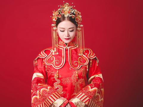 【AK婚纱】中式出门一件套系