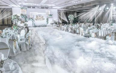 【火爆2018室内婚礼】小确幸 典雅大方/白+绿