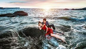 青岛雷克全球旅拍先拍照后付款豪华游艇夜景