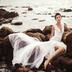 轻奢海岛礁石婚纱照