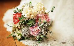(三只熊花艺)初夏,那一抹粉绿的森系婚礼