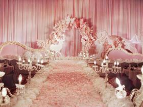 《蝶与樱花》店长推荐 水晶婚礼路引与多层舞台设计
