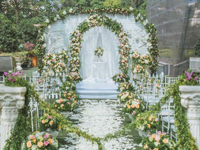 蜜桃婚礼森系鲜花主题婚礼布置
