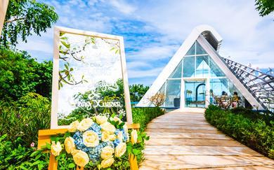 【性价比首选】巴厘岛悦榕庄圣白羽教堂婚礼
