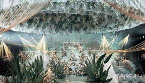 【花漾】白绿撞色轻奢婚礼&8M帷幔唯美大吊顶