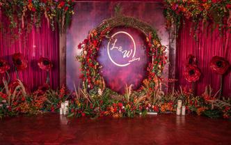 复古红婚礼布置+主持+化妆+拍照+2录像+航拍