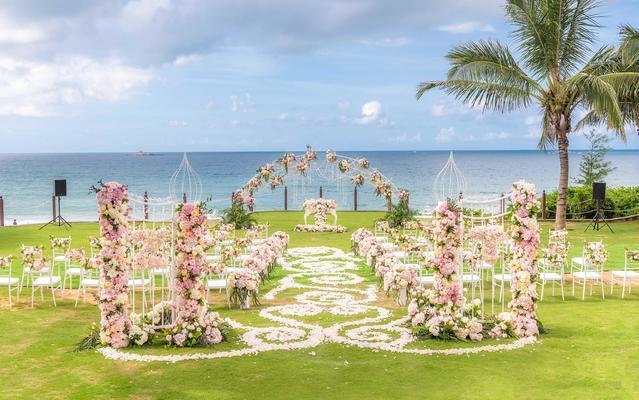 三亚草坪婚礼 I 海边粉色婚礼