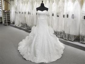 高定抹胸进口蕾丝A字显瘦优雅设计裙摆海浪拖尾婚纱