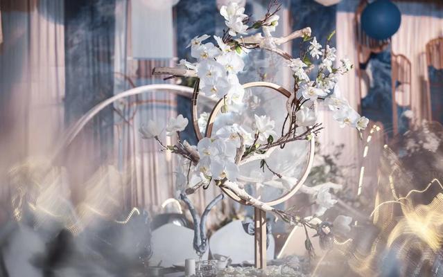 邹昆执麦作品-你是一树的花开,是燕在梁间呢喃