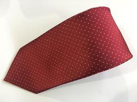 领带或领结、 口袋巾各一  配饰定制 礼服必备