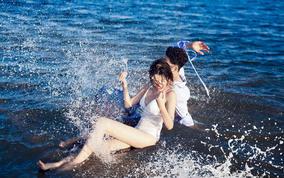 青岛雷克蜜月水中婚纱游艇 礁石海边2晚 包邮