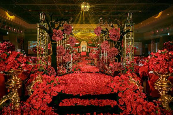 艾丽婚礼弘润华夏哥特风复古奢华红黑婚礼