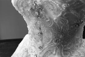 婚纱细节︱闪耀的钻石 拖尾婚纱