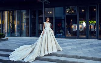 【洛菲莎】婚嫁三件套+原价减两千+送婚礼全天跟妆