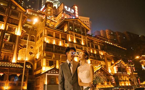 小香港重庆夜景含机票+住宿+产品邮寄