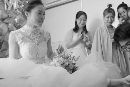 浩文影像团队婚礼快剪(新郎骑着机车迎娶美新娘)