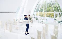 【三亚站】水晶婚礼堂+全新婚纱礼服任意选择