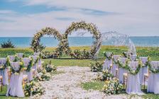 五星级酒店房+草坪+布置+四大金刚,三亚海边婚礼