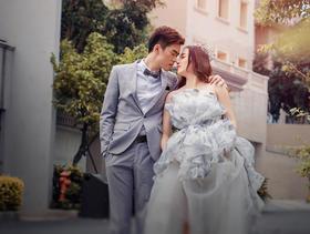 厦门巴厘风情婚纱摄影--简约公园婚纱照