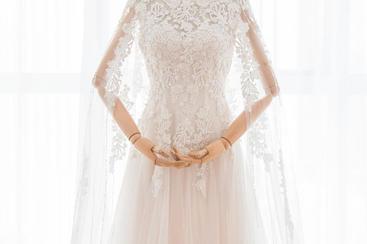 晨冰。梦幻重手工蕾丝花披肩飘纱修身显瘦拖尾婚纱
