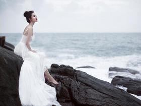 轻奢海景礁石婚纱照