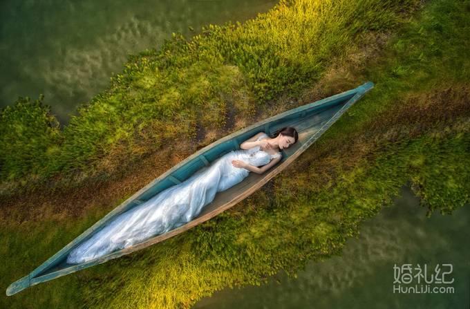 只有在拍婚纱照时,女汉子才能温柔如水呀