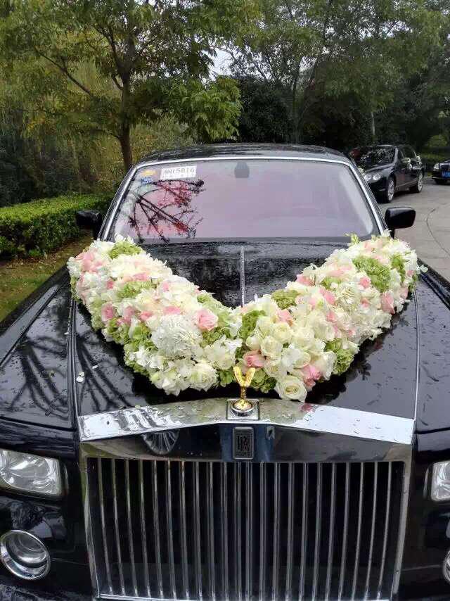 【豪华婚车装饰】