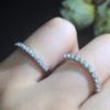 昨天入了一个爪镶钻石排戒,搭配起来还好么?