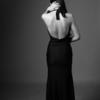 性感黑白婚纱照 大长腿新娘来爆照