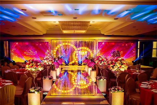 婚宴大厅布置如何更有面子,1万装成10万效果(多图)