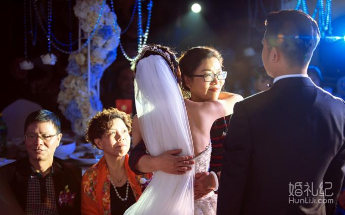 婚礼上的这个创意环节  让我们刷爆朋友圈!