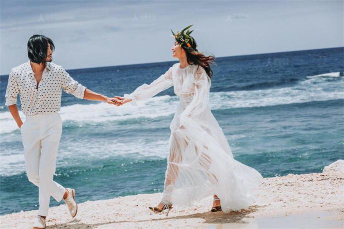 真抠门!拍婚纱照花费1万二,未婚夫说要AA