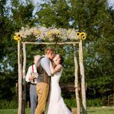 新郎新娘的婚纱礼服选什么类型合适?