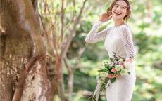 2018婚纱礼服多少钱一套