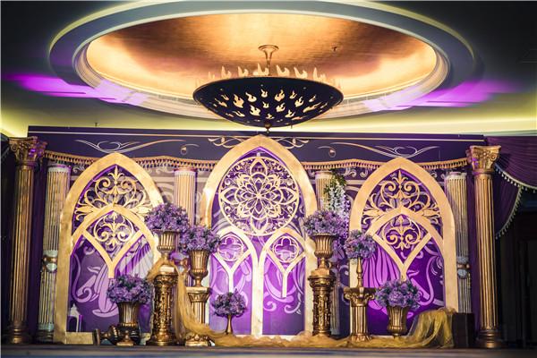 带柱子的婚宴大厅布置技巧和图片(资深婚庆解答版)