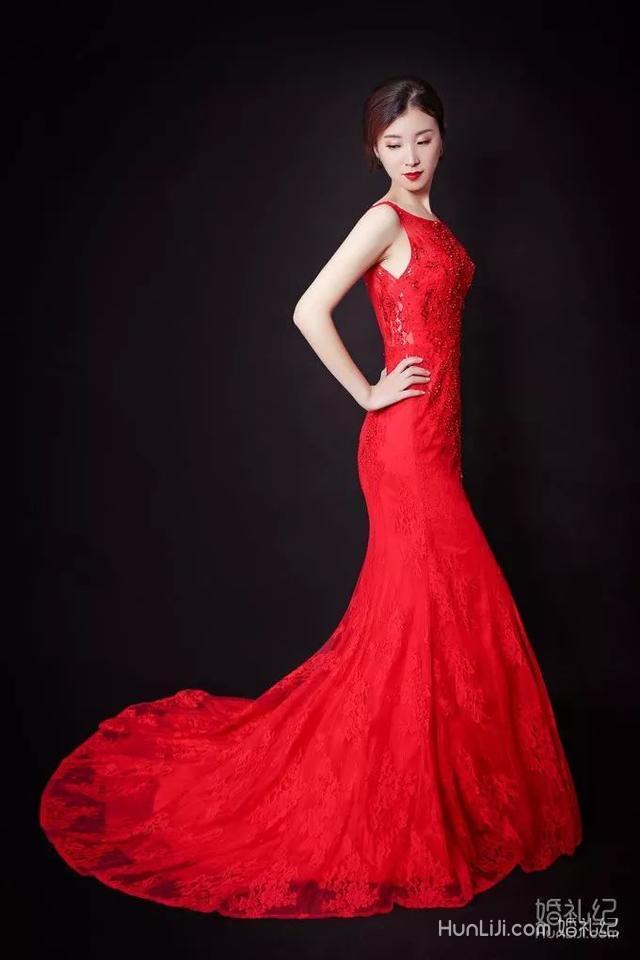 手臂胖的新娘怎么穿婚纱最显瘦?这一款千万别错过 | 青岛篇