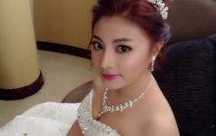 亚亚新娘跟妆-美美的新娘们