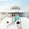 晕船的孩子准备去游艇拍婚纱照啦!
