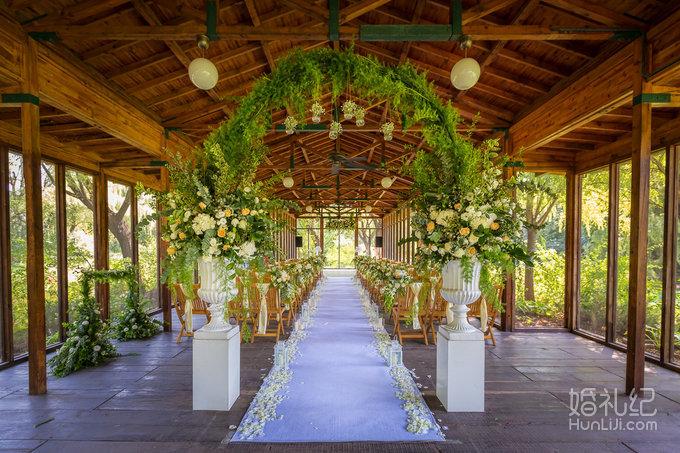 婚礼现场布置效果图 西式婚礼布置效果图高端婚礼