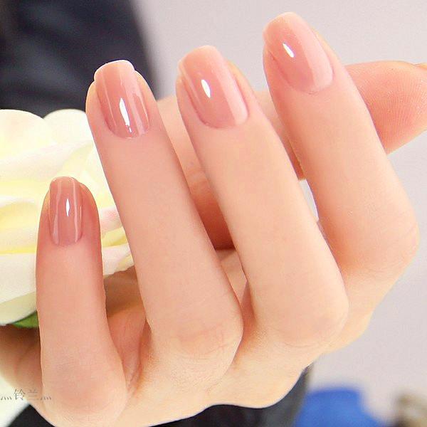 新娘美甲,喜欢简单点的款式,婚礼纪 hunliji.com