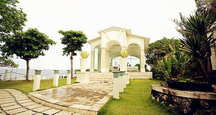 巴厘岛教堂婚礼,蓝天白云见证我们的爱