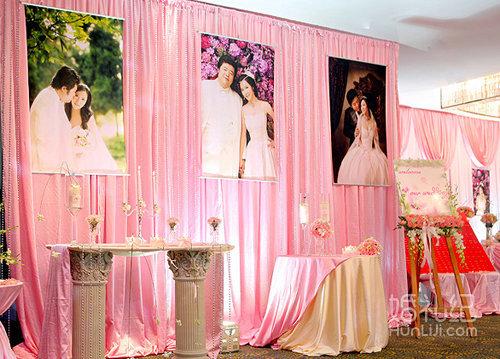 鲜花拱门(单面造型) 提供婚礼海报架1个(可挂60~100寸海报) 提供欧式