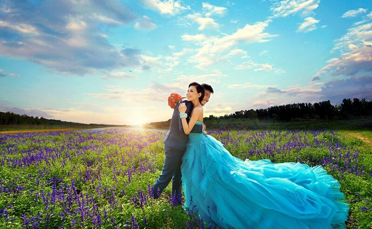 我的婚纱照外景像水彩画内景像油画