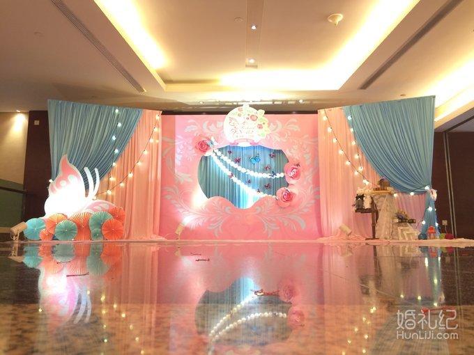5,相片展示区装饰物摆件 6,签到台背景布幔设计(3x4米) 【仪式道具及