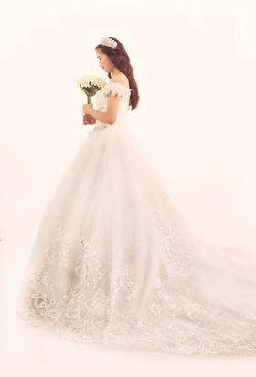 Lovestruck概念婚纱礼服造型超值套餐