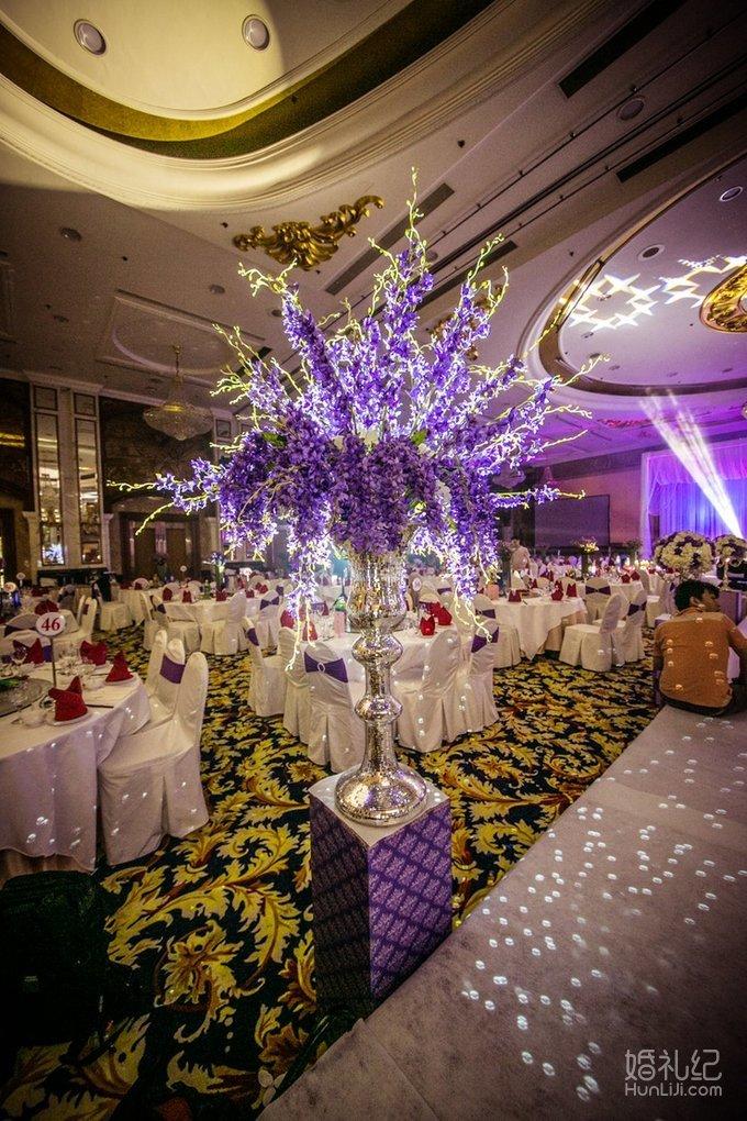 婚礼仪式香槟塔